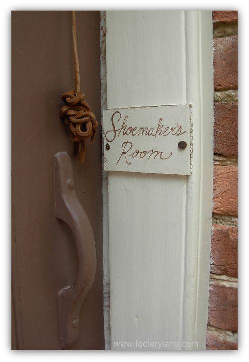 Shoemaker'sRoom2054_600
