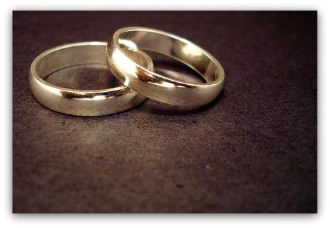 800px-Wedding_rings470