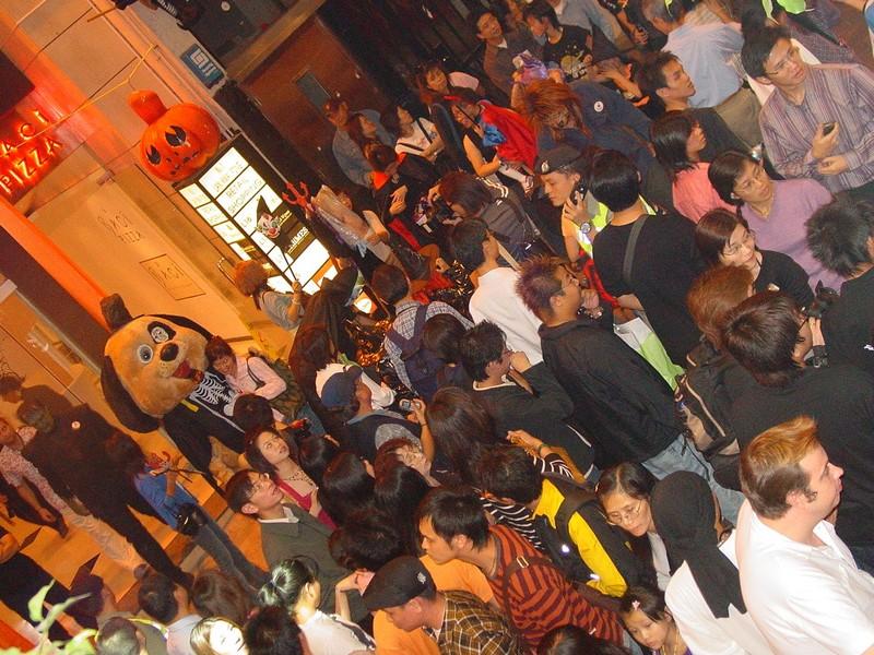 Halloweencrowds